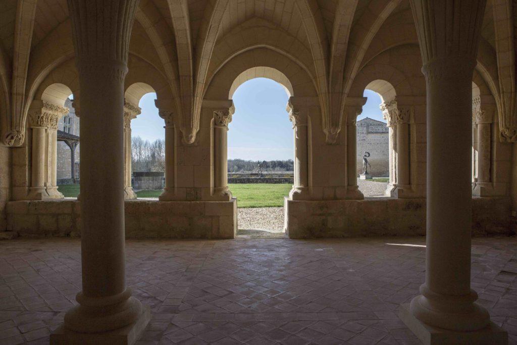 Abbaye de Trizay - intérieur