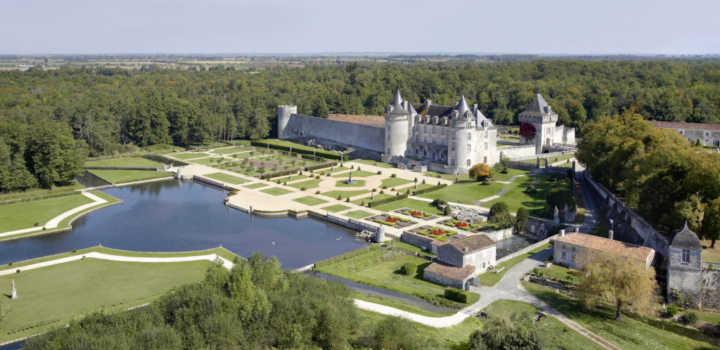 Chateau de la Roche Courbon Saintonge