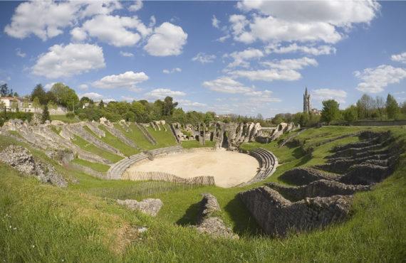 Sites et monuments historiques à Saintes et en Saintonge