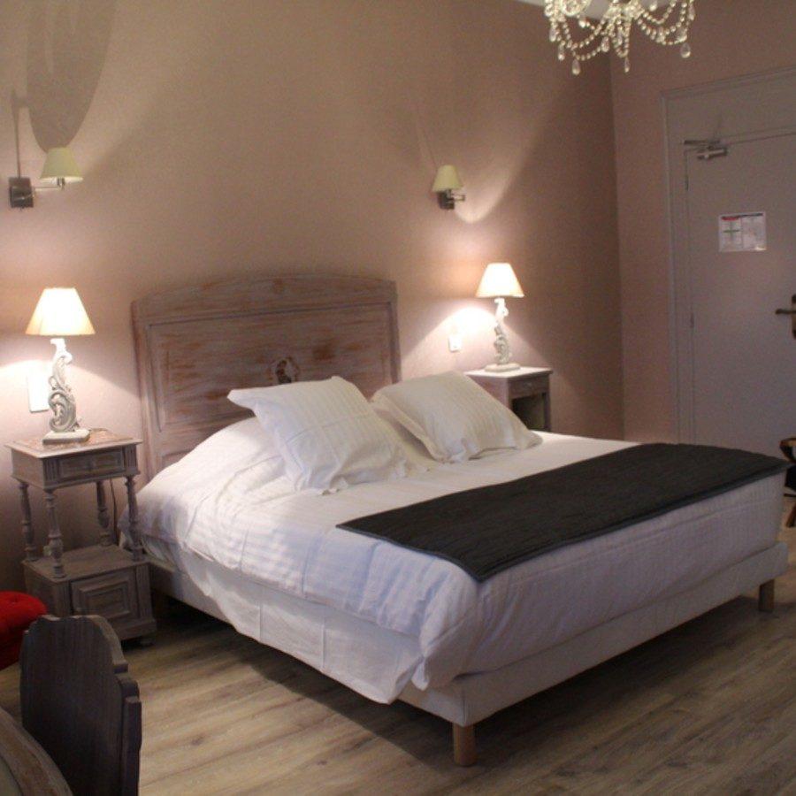 Hôtels à Saintes en Charente-Maritime