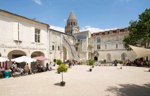 cour de l'abbaye aux dames