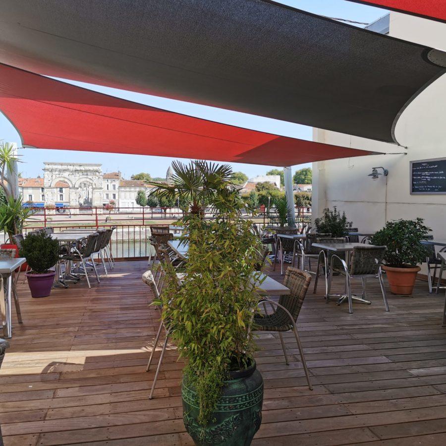 Restaurants ouverts terrasse Saintes en Charente-Maritime